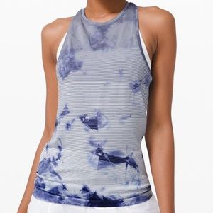 Woman's Lululemon Clothes, Discounts on Price *New